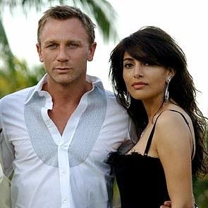 James Bond i jego dziewczyna: Daniel Craig i Caterina Murino /