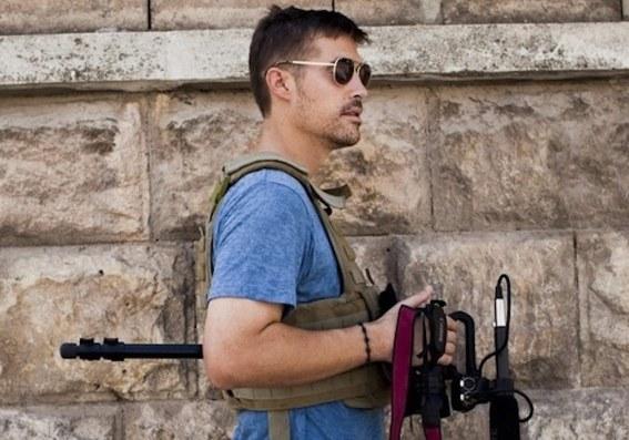 James Foley na niedatowanym zdjęciu udostępnionym przez GlobalPost /PAP/EPA/Nicole Tung / Courtesy of Global /PAP/EPA