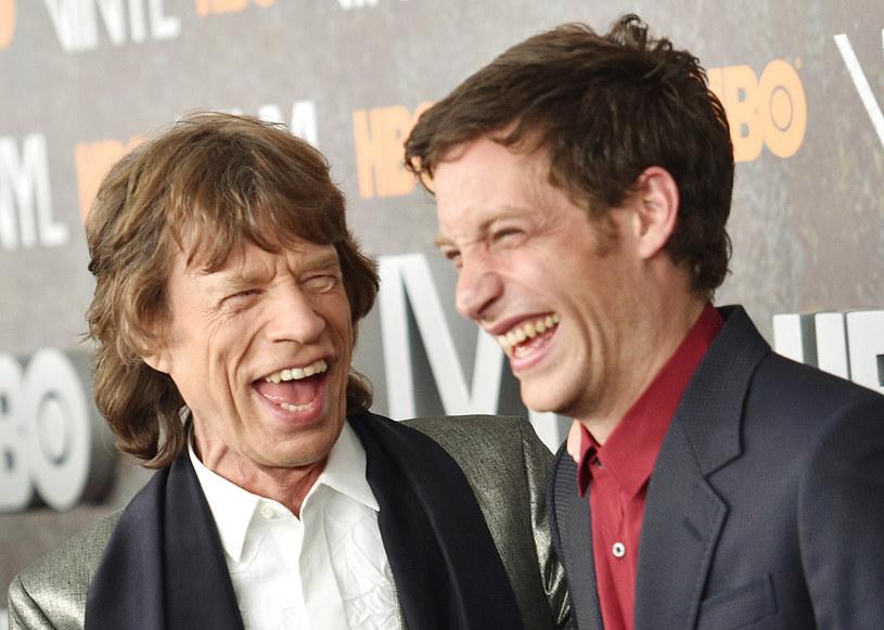 "James Jagger z tatą na premierze serialu ""Vinyl"" /Dimitrios Kambouris /Getty Images"