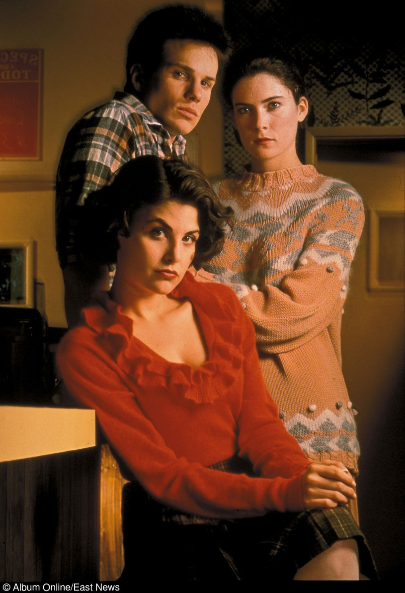 "James Marshall, Sherilyn Fenn i Lara Flynn w serialu ""Miasteczko Twin Peaks"" /East News"