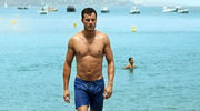 Jamie Dornan: Brak koszulki i żelowe sandały