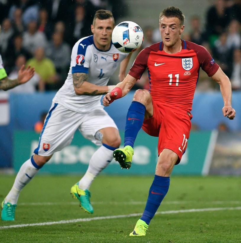 Jamie Vardy nie znalazł drogi do bramki Słowaków /AFP