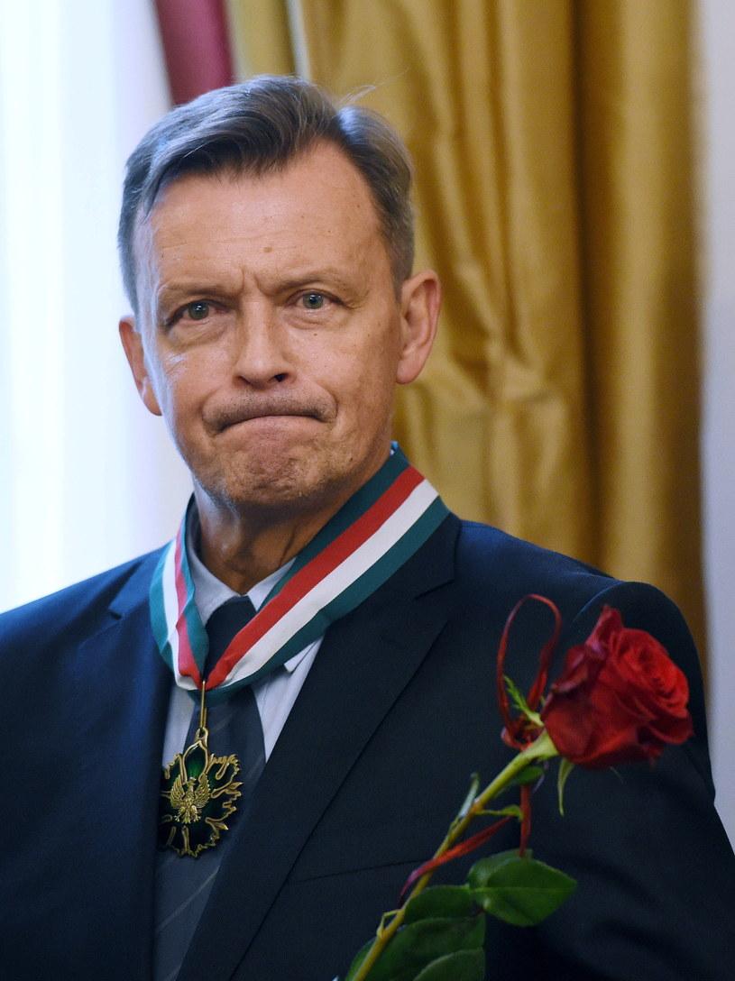 Jan Frycz z odznaczeniem Zasłużony Kulturze Gloria Artis /Radek Pietruszka /PAP