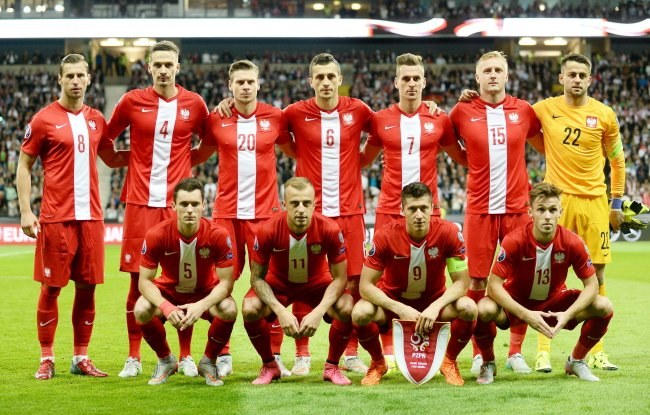 Jan Furtok uważa, że reprezentacja Polski powinna zagrać z Gibraltarem w najmocniejszym składzie /Bartłomiej Zborowski /PAP