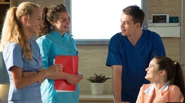 Jan jest czuły na wdzięki kobiet, ale do tej pory wszystkie znajomości traktował niezobowiązująco. /www.nadobre.tvp.pl/