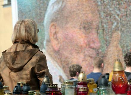 Jan Paweł II - pamiętamy! - fot. Stanisław Rozpędzik /East News