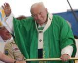 Jan Paweł II podczas tegorocznej pielgrzymki do Toronto /EPA
