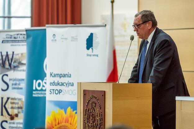 Jan Szyszko, minister środowiska podczas konferencji w Toruniu.  Fot. Tytus Żmijewski /PAP