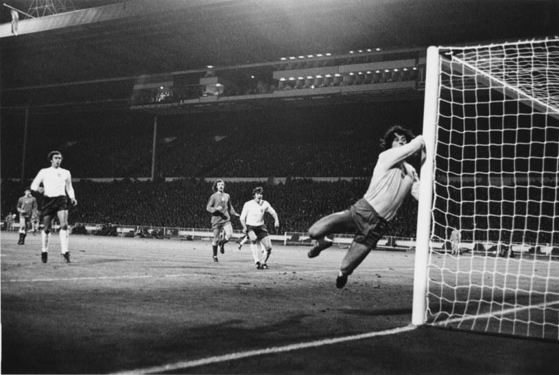 Jan Tomaszewski podczas słynnego meczu na Wembley /Getty Images