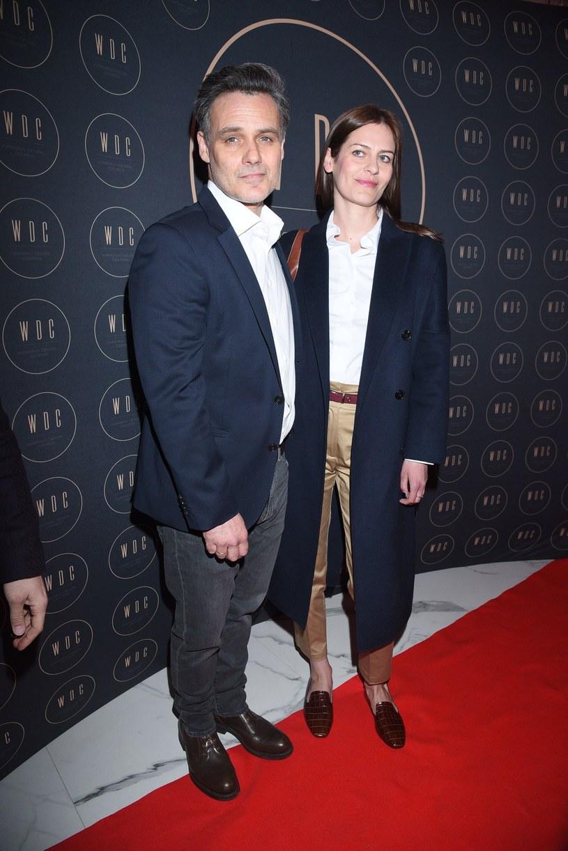 Jan Wieczorkowski z żoną Urszulą raczej stronią od ścianek /Tricolors /East News