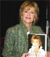 Jane Fonda ze swoją książką /AFP