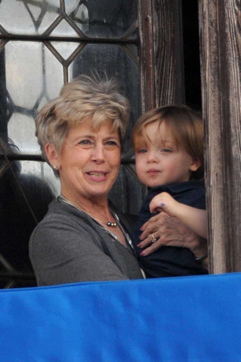 Jane Pitt z wnuczkiem Knoxem /East News