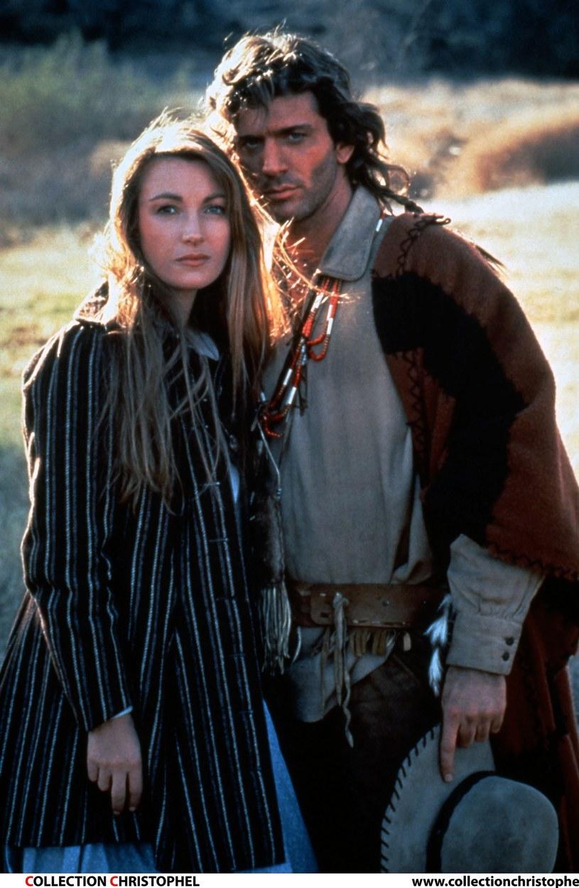 "Jane Seymour i Joe Lando na planie serialu ""Dr Quinn"" /East News"
