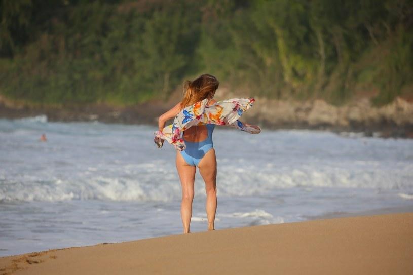 Jane Seymour w bikini /Flightrisk / BACKGRID / Backgrid USA / Forum /Agencja FORUM