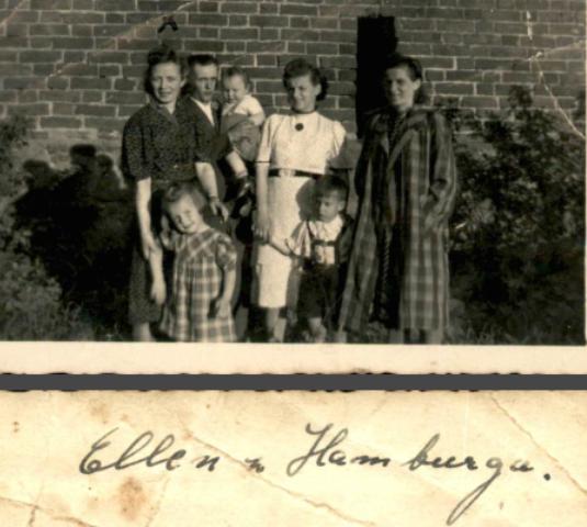 Janina Drygas pierwsza z prawej. Zdjęcie wykonano prawdopodobie tuż przed powrotem Janiny do Polski /Archiwum prywatne Piotra Janiaka /