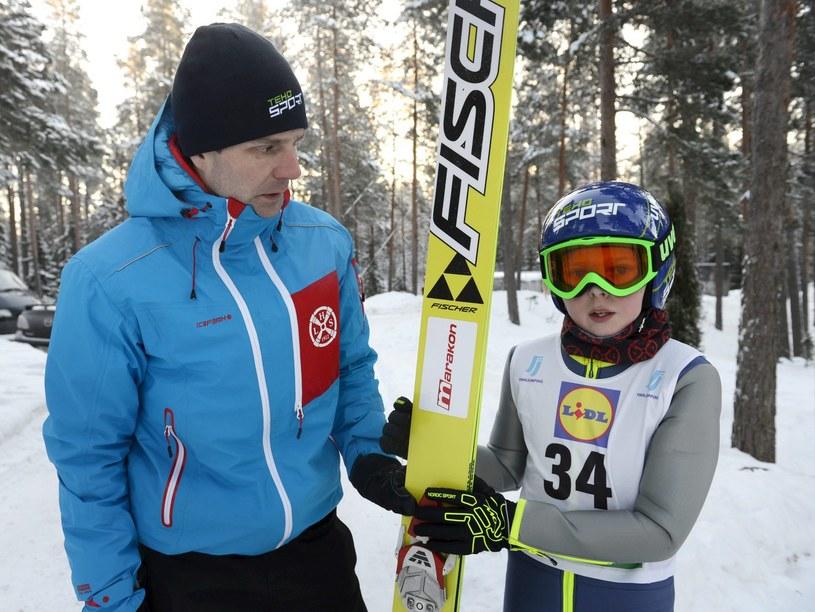 Janne Ahonen i jego syn Mico /AFP