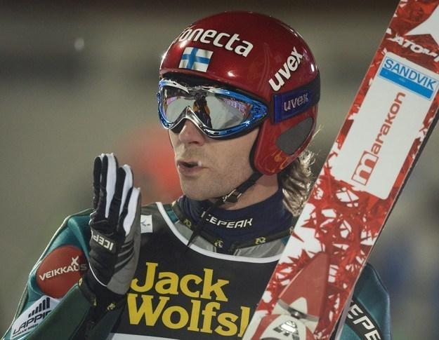 Janne Ahonen wystartuje w Engelbergu /AFP
