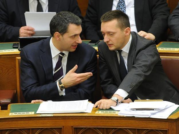 Janos Lazar (L) /AFP