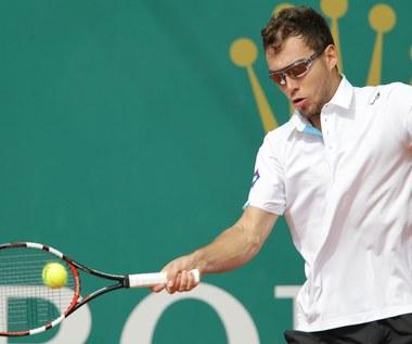 Janowicz przegrał z Gulbisem w pierwszej rundzie w Madrycie