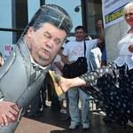 Janukowycz mówi o wolności słowa, jego ochrona szarpie dziennikarzy