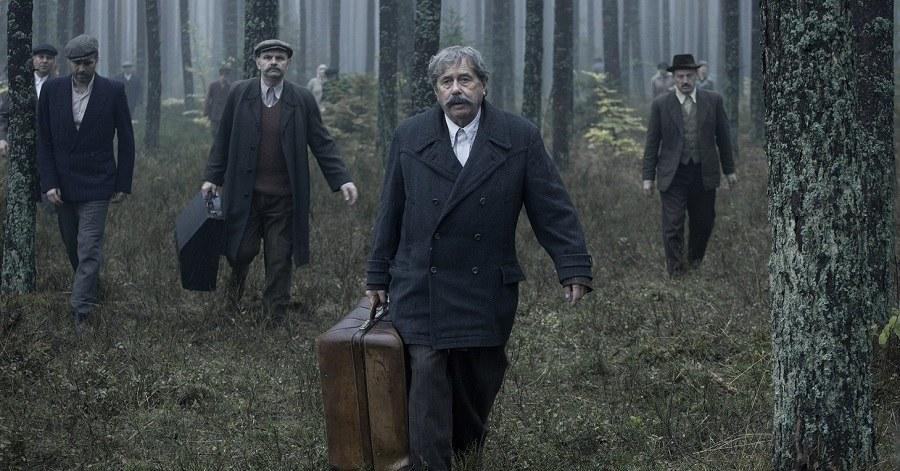 """Janusz Gajos na planie """"Kamerdynera"""" /Filmicon/Marcin Makowski /Materiały prasowe"""