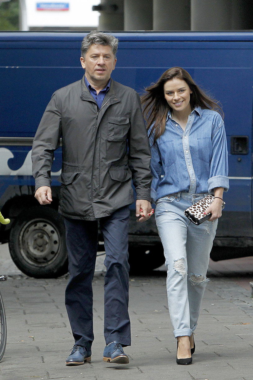 Janusz Józefowicz (60 l.) z pierwszego małżeństwa z Danutą ma dwójkę dzieci - Kamilę (37 l.) i Jakuba (27 l.). Jednak to z drugą żoną, młodszą od niego o 18 lat, Nataszą Urbańską (42 l.), doczekał się w 2008 roku córki Kalinki. /Krzemiński Jordan /AKPA