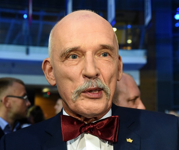 Janusz Korwin-Mikke mówi jak jest z tym całym smogiem... /AFP