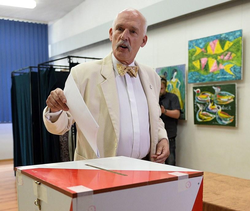 Janusz Korwin-Mikke: Nie wolno głosować na PiS /AFP