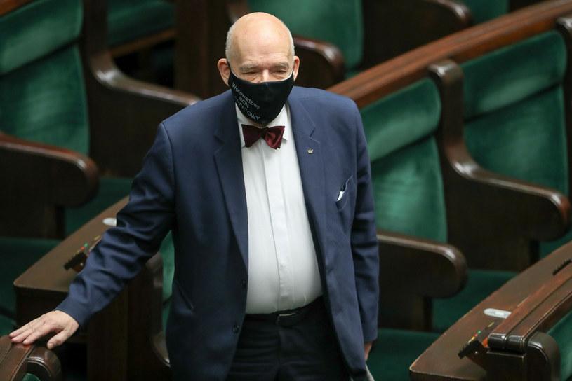 Janusz Korwin-Mikke podczas posiedzenia Sejmu /Andrzej Iwanczuk /Reporter /East News