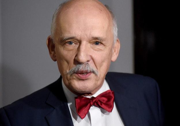 """Janusz Korwin-Mikke rezygnuje z mandatu europosła. """"Wracam do polskiej polityki"""""""