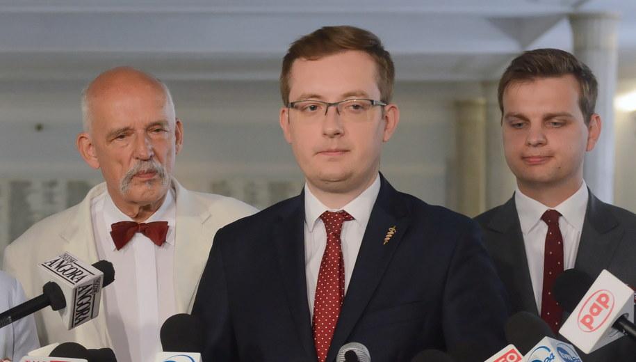 Janusz Korwin-Mikke, Robert Winnicki i Jakub Kulesza / Jakub Kamiński    /PAP