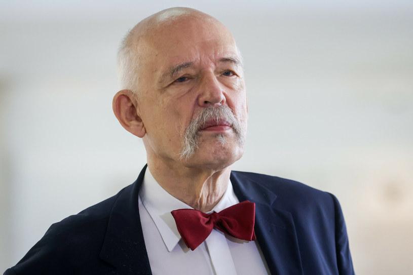 Janusz Korwin-Mikke spadł z drabiny i złamał nogę /fot. Andrzej Iwanczuk /Reporter