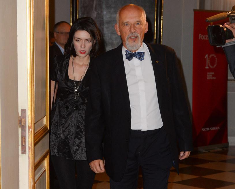 Janusz Korwin-Mikke z żoną Dominiką /Jarosław Antoniak /MWMedia
