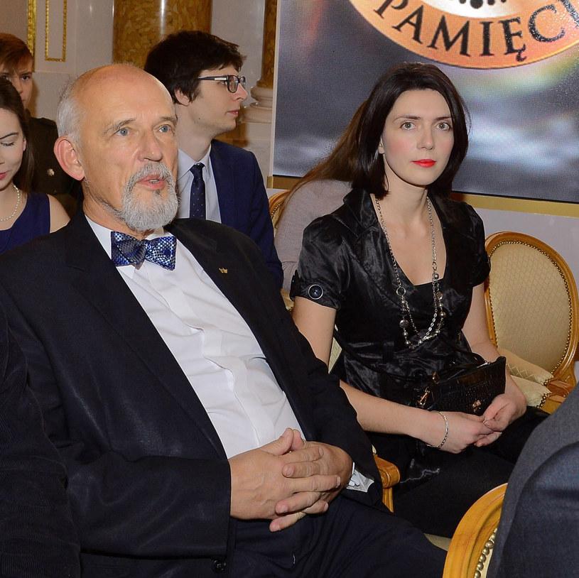 Janusz Korwin-Mikke z żoną Dominiką /Radosław Nawrocki /Agencja FORUM