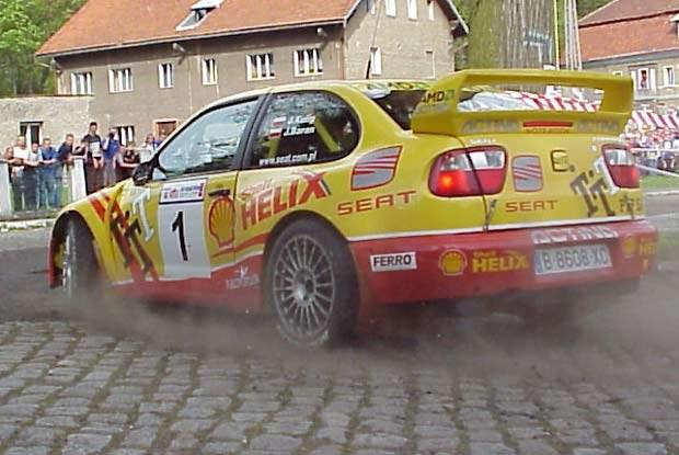 Janusz Kulig prowadzi po pierwszym etapie rajdu (kliknij) /INTERIA.PL