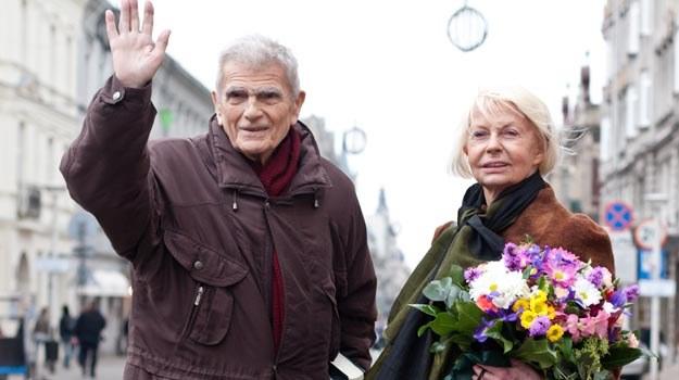 Janusz Morgenstern z żoną na ulicy Piotrowskiej /Agencja FORUM