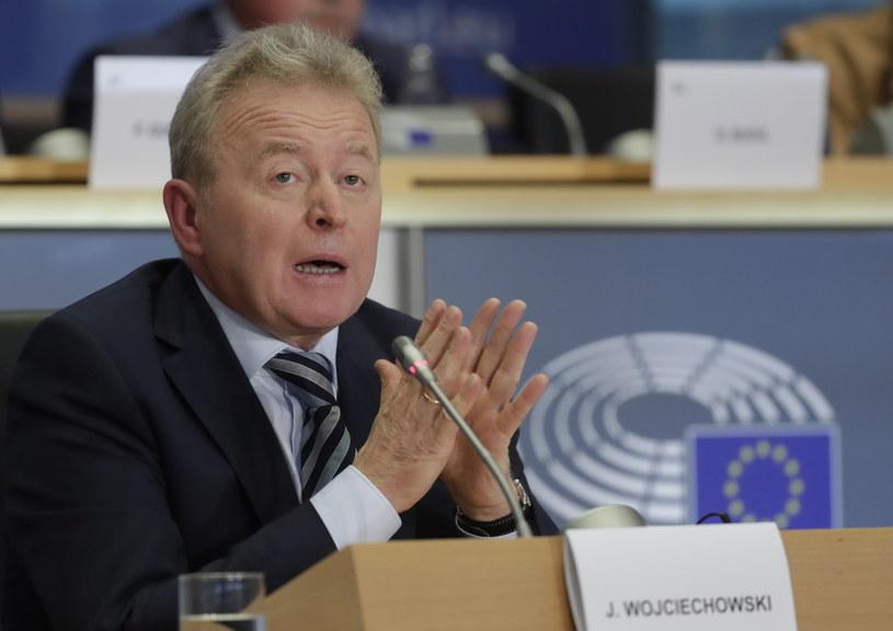 Janusz Wojciechowski przed komisją Parlamentu Europejskiego /OLIVIER HOSLET /PAP/EPA