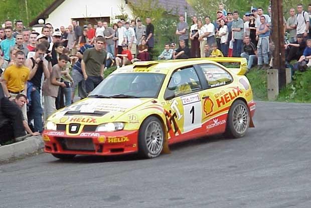 Janusza Kuliga nie zobaczymy już w tym roku w żółtym Seacie Cordoba WRC (kliknij) /INTERIA.PL