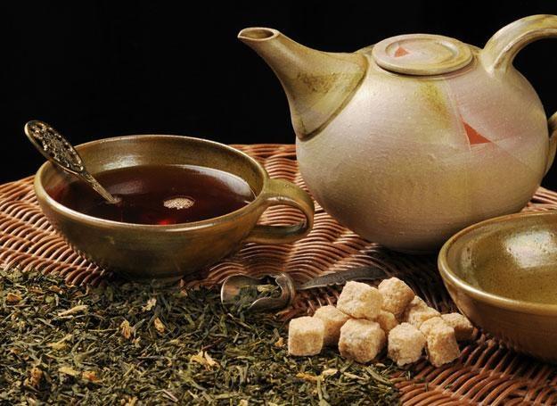 Japończycy i Chińczycy od odawna znają właściwości zielonej herbaty /© Panthermedia