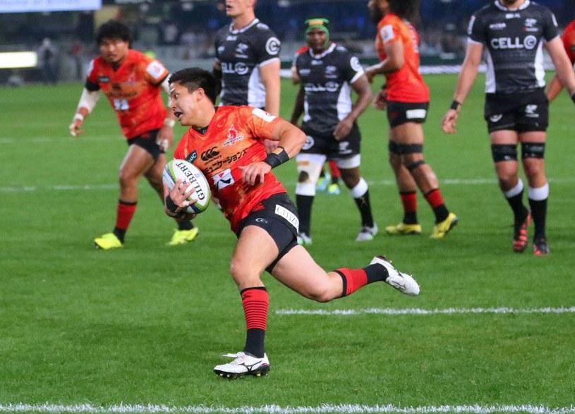 Japończycy już nie raz udowadniali, że potrafią grać w rugby /AFP