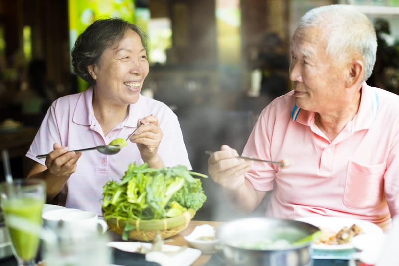 Japończycy są długowieczni m.in. dzięki diecie /123RF/PICSEL