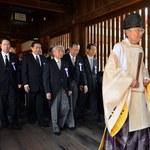 Japonia: Ministrowie odwiedzili kontrowersyjną świątynię