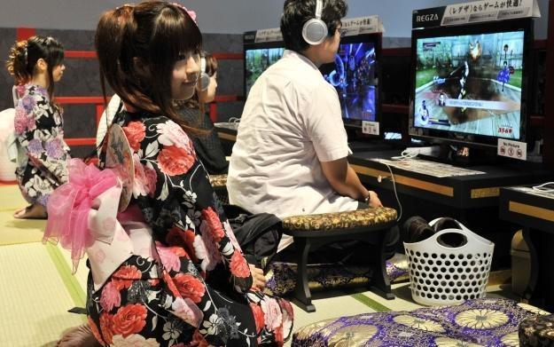 Japońscy gracze docenili produkcję EA /AFP