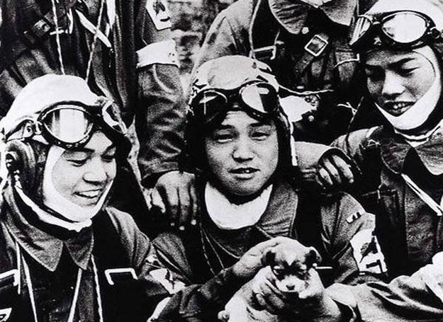 Japońscy piloci-samobójcy z czasów II wojny światowej /AFP