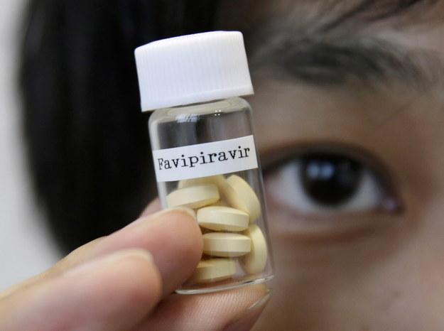 Japońska firma prowadzi testy kliniczne leku na koronawirusa