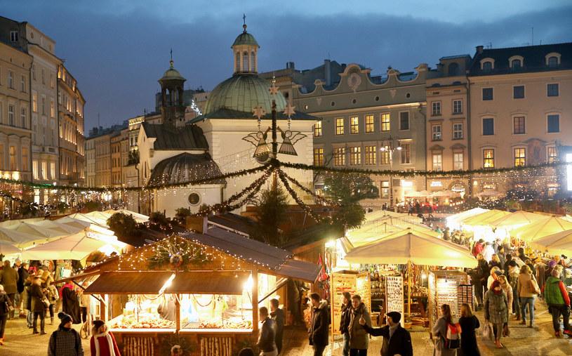 Jarmark bożonarodzeniowy w Krakowie - tak wyglądał w poprzednich latach /Damian Klamka /East News
