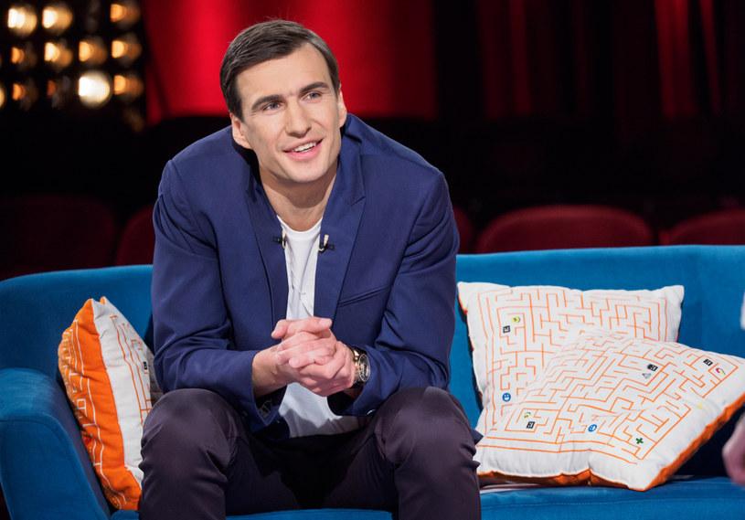 """Jarosław Bieniuk w programie """"Mali Giganci"""" /Bartosz Krupa/East News /TVN"""