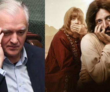"""Jarosław Gowin chce usunięcia """"bluźnierczego filmu"""" z Netflixa"""