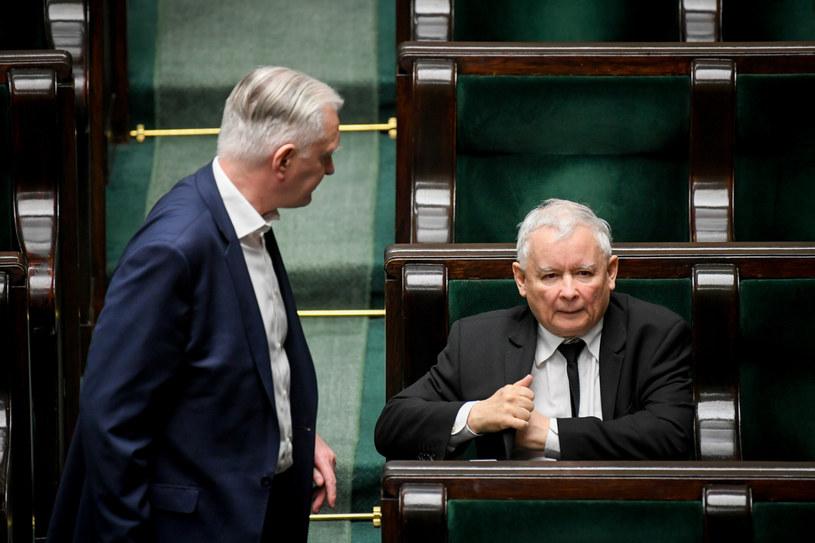 Jarosław Gowin i Jarosław Kaczyński w Sejmie /Jacek Domiński /Reporter