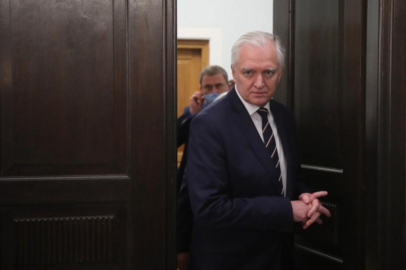 Jarosław Gowin: Obstrukcja wobec ustawy w Senacie wynika z potrzeby zmiany kandydata przez PO /Wojciech Olkuśnik /PAP